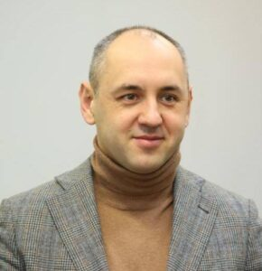 Andriy Mizovets expert