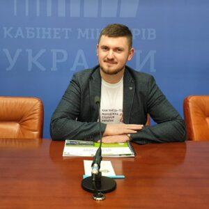 Andriy Zayets expert