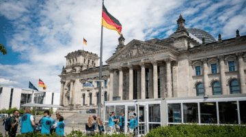 Bundestag Talks about Providing Ukraine with Lethal Weapons, while Influential European Politicians Condemn Russian Aggression